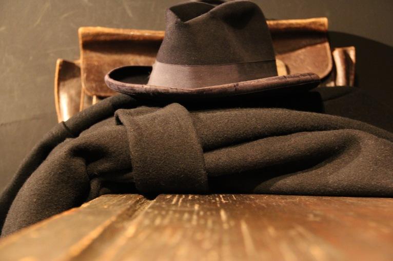 auschwitz-hat-coat-1