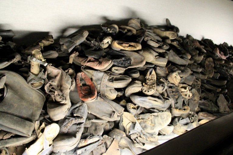auschwitz-shoes-1